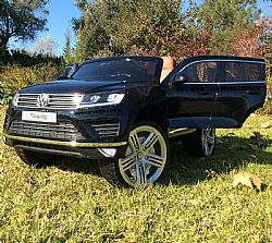 Volkswagen Touareg Painting Black with 2.4G R/C under License