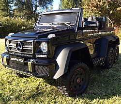 6x6 Mercedes-Benz G63 AMG Painting Black with 2.4G R/C under License