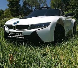BMW i8 White with 2.4G R/C under License